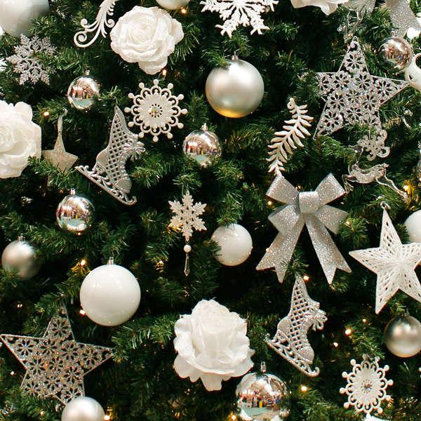 versierde kerstboom detail silver star basic collection hotel restaurant ie sicht b v. Black Bedroom Furniture Sets. Home Design Ideas